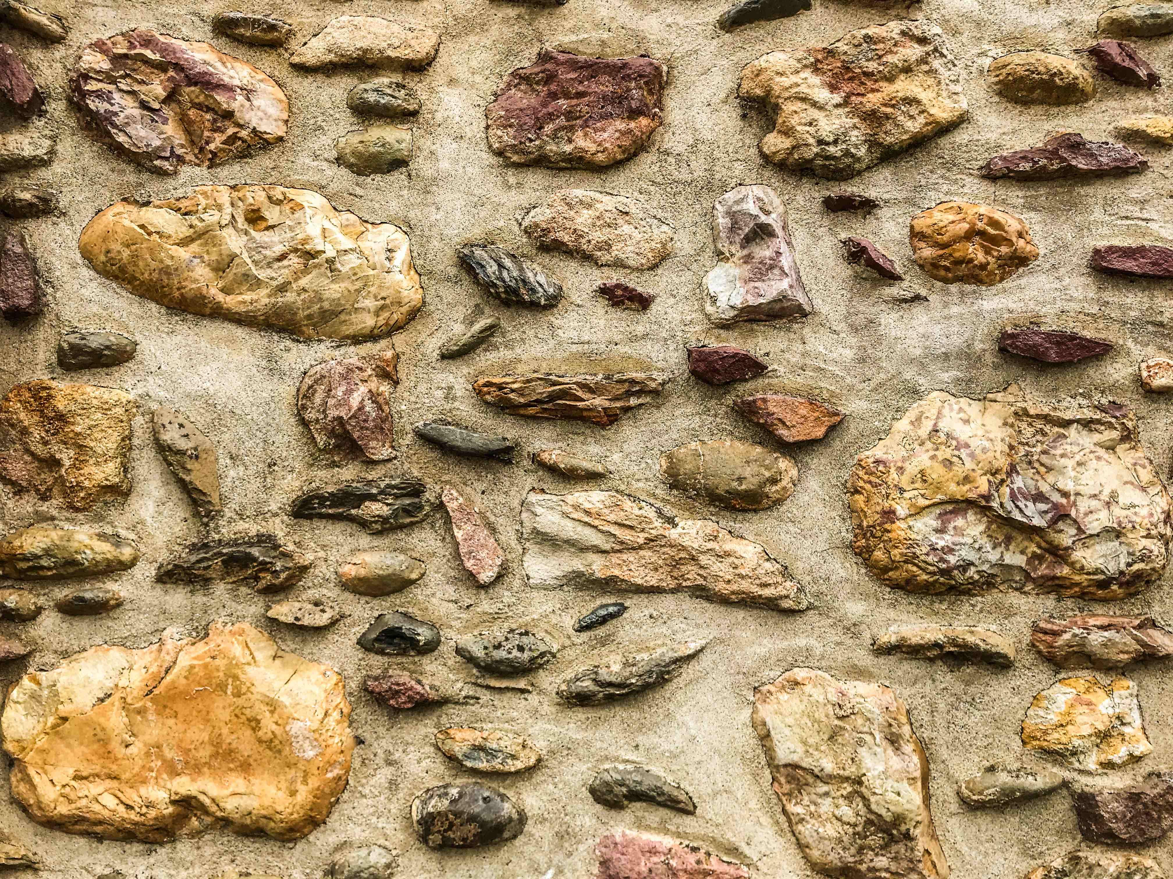 image pedras portantiqua gois